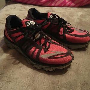 Brooks Pure Flow Hot Pink/Black Tennis Shoes 8 1/2